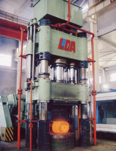2000 tons free forging hydraulic press