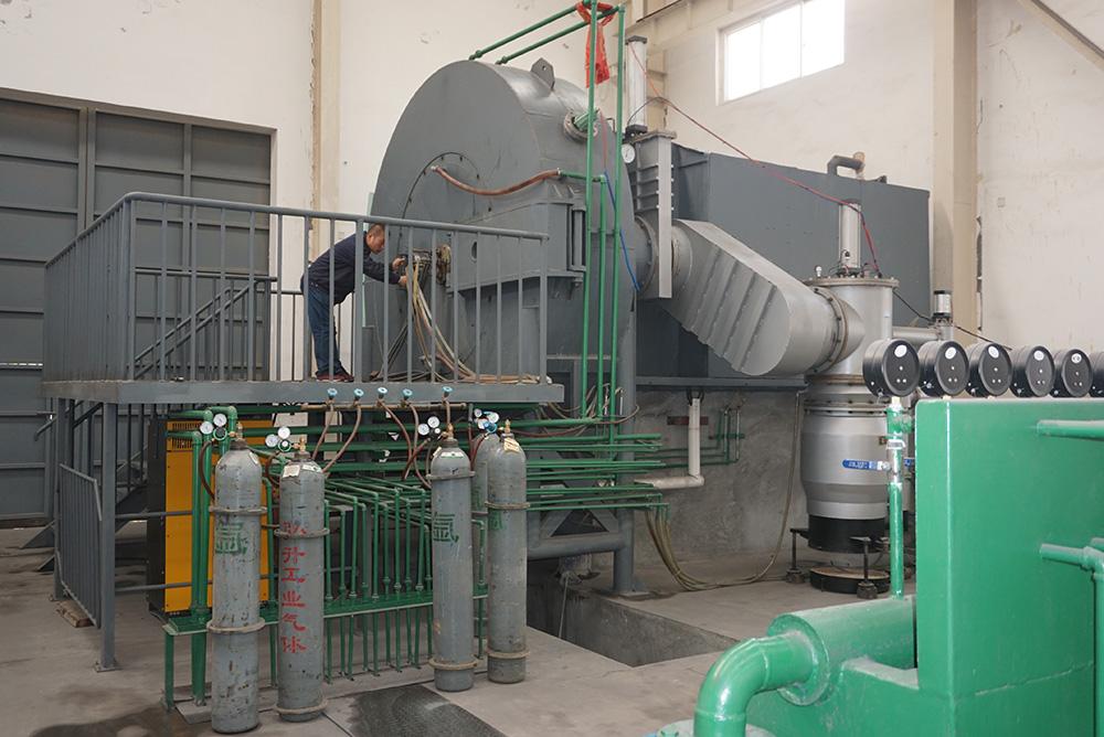 Titanium powder production equipment